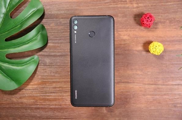 华为畅享Max现价仅需898元 采用7.12英寸屏幕+5000mAh电池