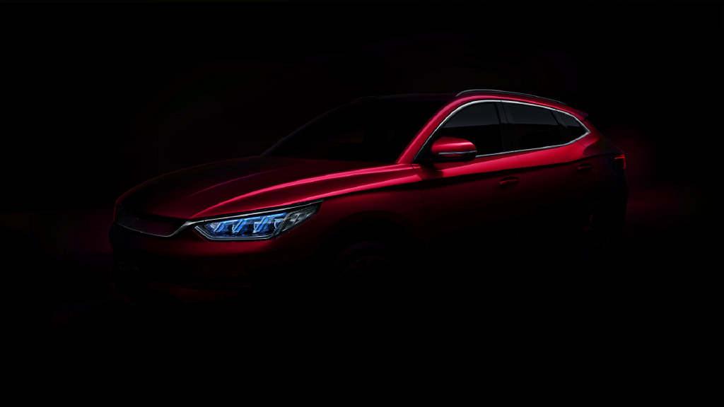 比亚迪宋Plus EV预告图曝光:贯穿式尾灯设计 十分凶悍